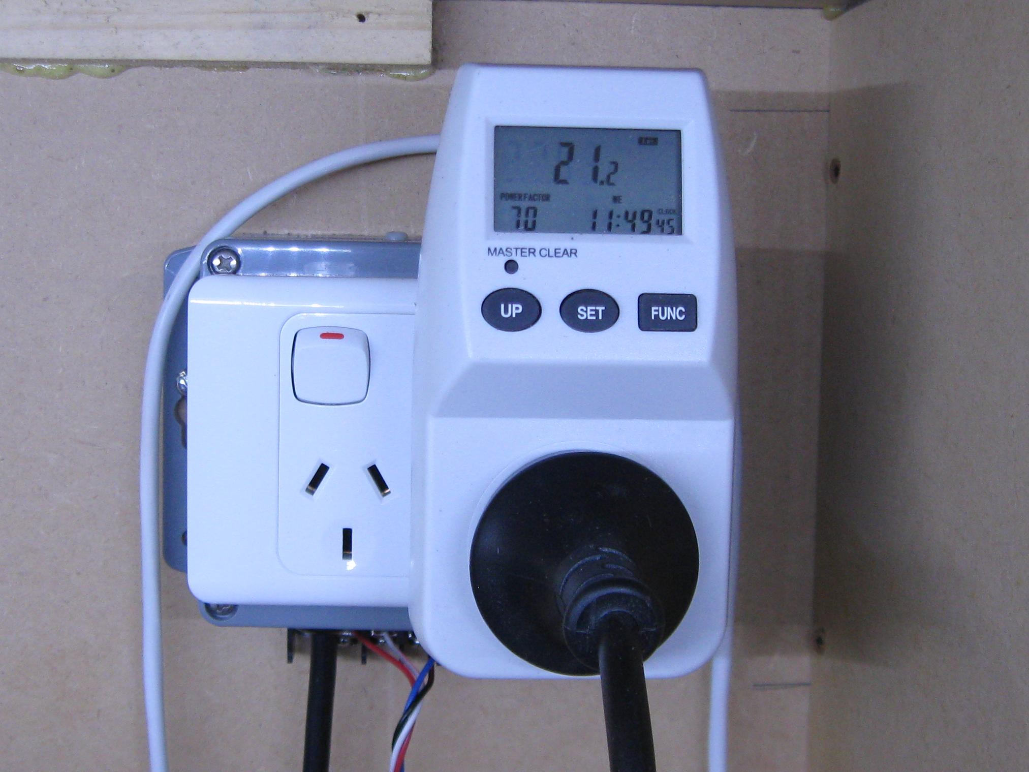 Computer Power Meter : Power useage meter home and business pmb nz rcbeacon