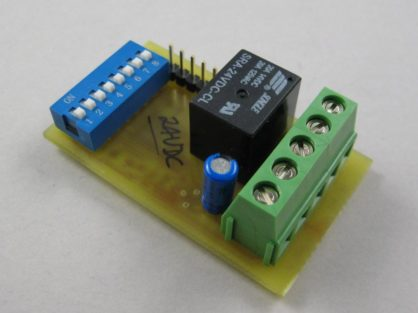 24V low-voltage detector relay